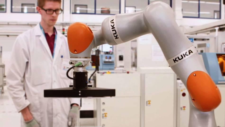 KUKA's LBR iiwa Robot Revolutionizes Electronics Production at Flex