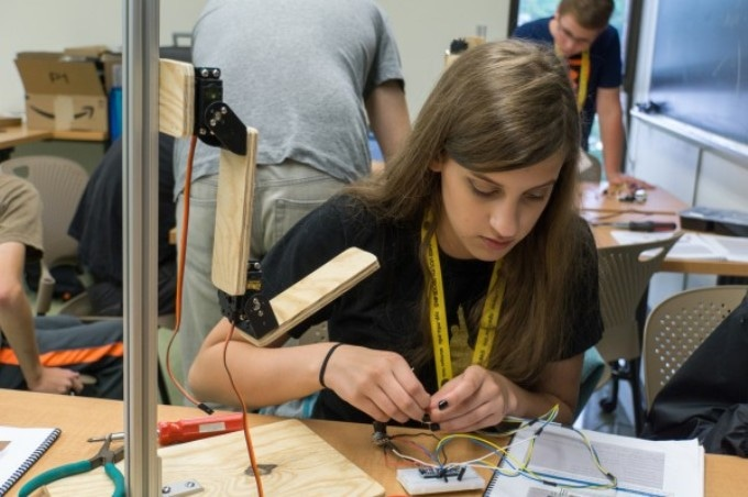 Summer Camp Teaches Participants to Build Robots that Could Assist People