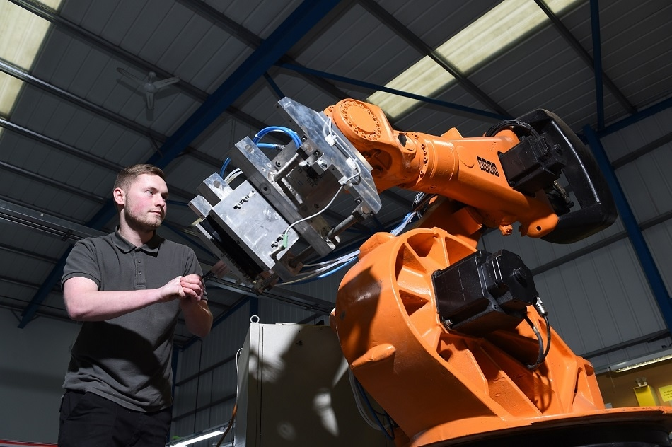 Northern Industrial Takes on Two Old Robots to Help Customers Face Adoption Challenges