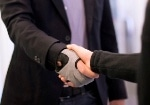 GM-NASA's Space Robotic Glove Technology to be Adapated for Application on Earth