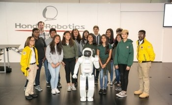 Students Watch Demonstration of Honda Robotics Technologies at a Recent STEM Education Event