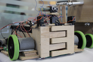 Five-Day Residential Course Enables Students to Build, Program Autonomous Robot