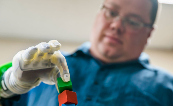 Machine Learning Enables Amputees to Control Prosthetic Hands